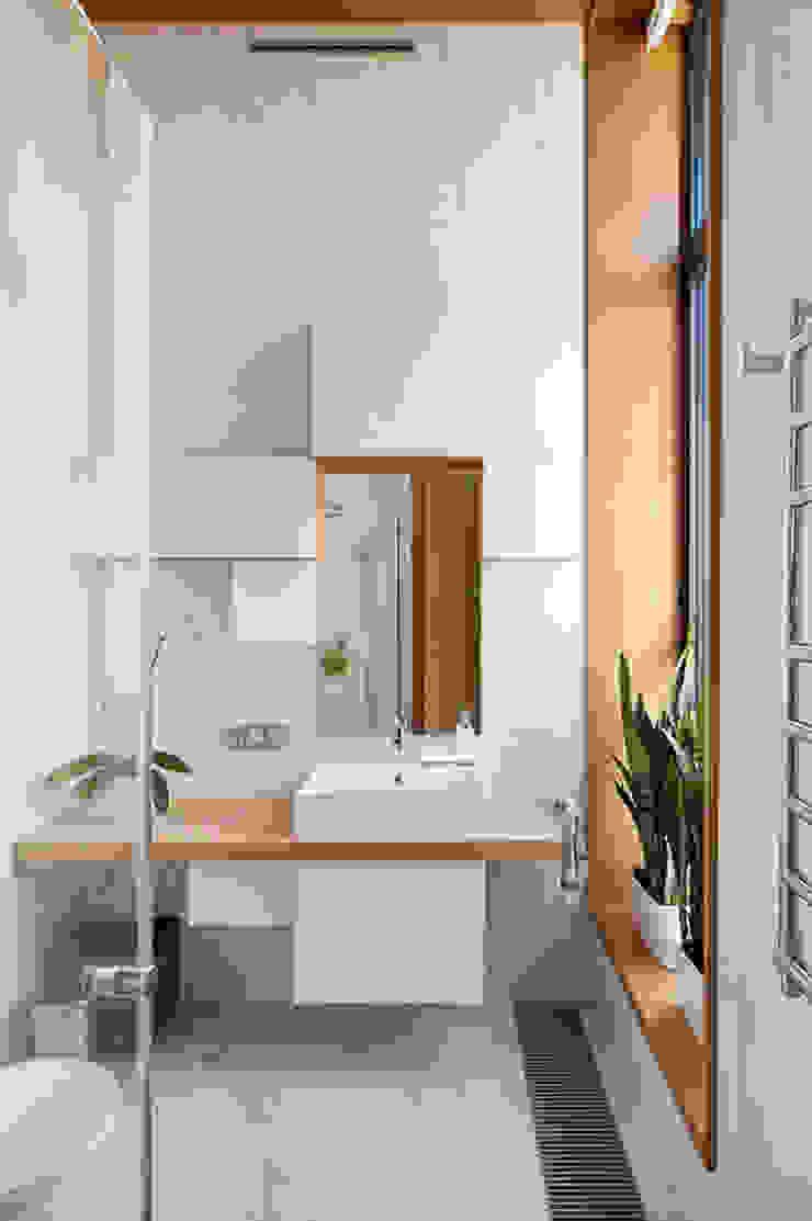 Квартира в Москве для молодого человека. Ванная комната в эклектичном стиле от Студия экспериментального проектирования 'Rakurs' Эклектичный