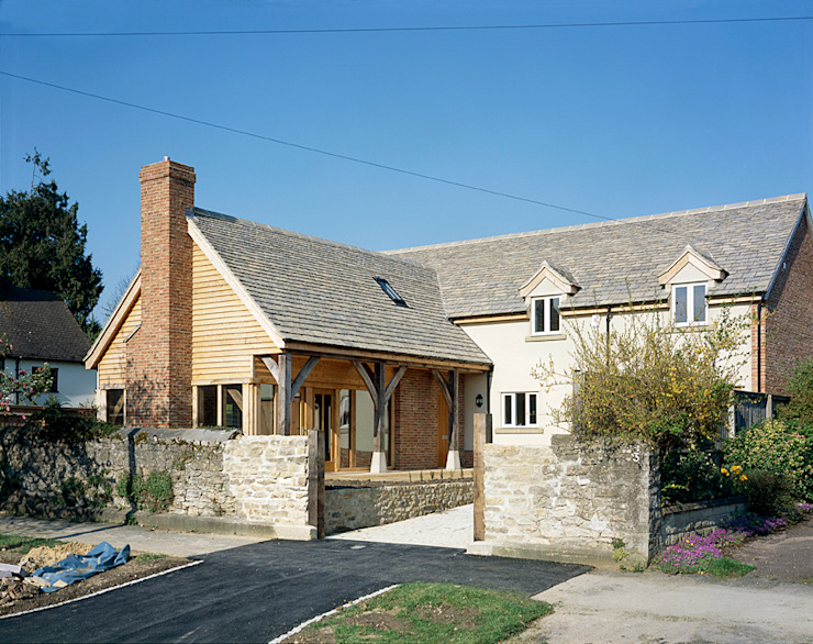 House in Old Marston, Oxford. Rustic style houses by Jessop and Cook Architects Rustic