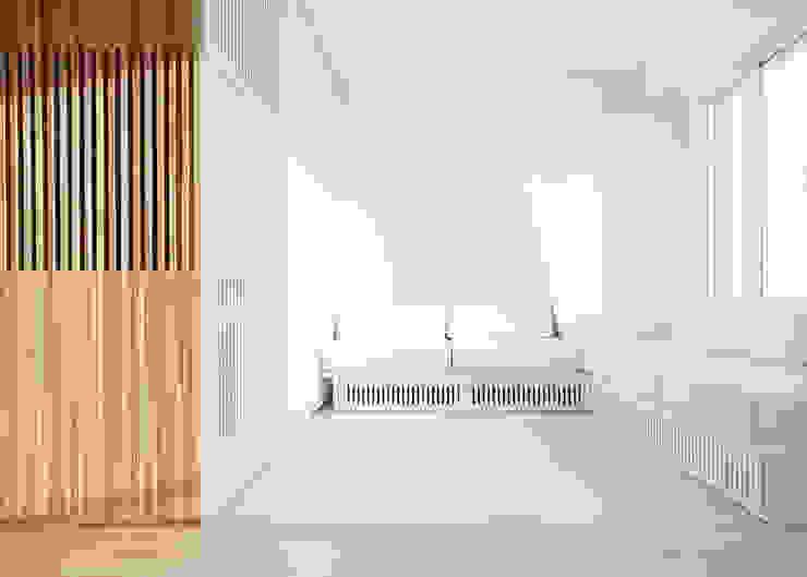 Flat N°4. A small ap Ruang Keluarga Minimalis Oleh Julien Joly Architecture Minimalis