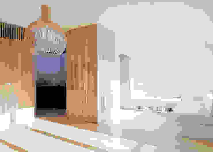 Flat N°4. A small ap Ruang Keluarga Gaya Skandinavia Oleh Julien Joly Architecture Skandinavia