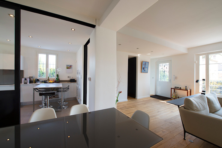 Столовая комната в стиле модерн от Hélène de Tassigny Модерн