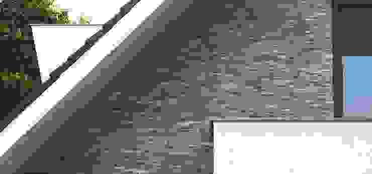 Barroco Natuursteenstrips als gevelbekleding Moderne huizen van Xcel Stones Modern
