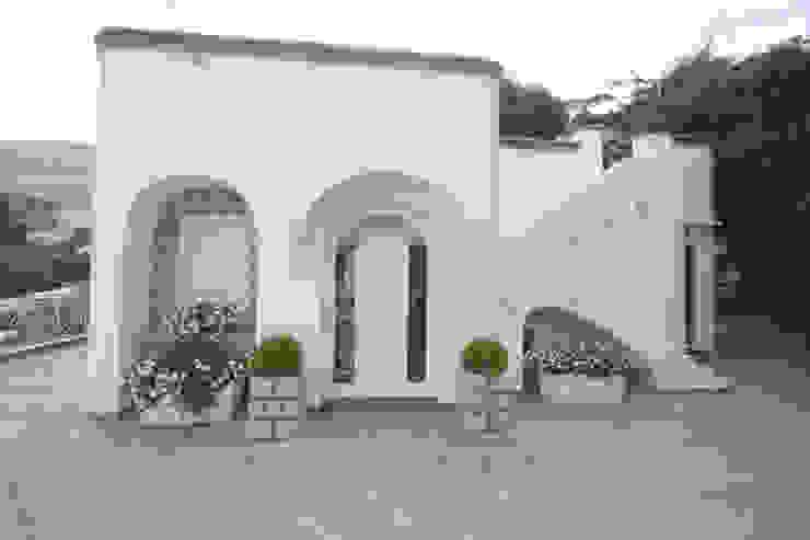 Casas de estilo mediterráneo de Imperatore Architetti Mediterráneo