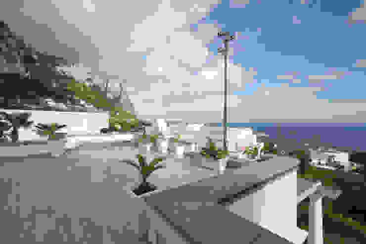 Mediterranean style balcony, veranda & terrace by Imperatore Architetti Mediterranean