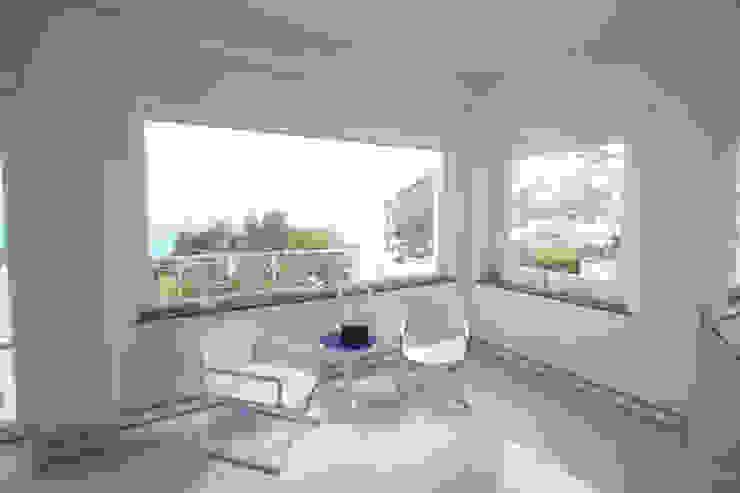 Villa a Capri Soggiorno moderno di Imperatore Architetti Moderno