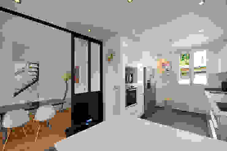 現代廚房設計點子、靈感&圖片 根據 Hélène de Tassigny 現代風