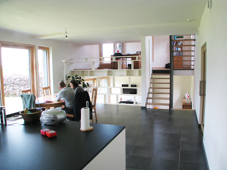 Espace de vie cuisine, salle-à-manger Salle à manger moderne par dune Architecture sprl Moderne