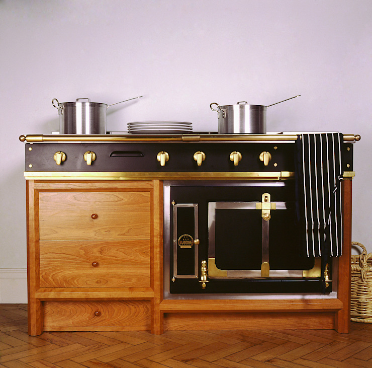 La Cornue Ensemble Oven designed and made by Tim Wood par Tim Wood Limited Classique
