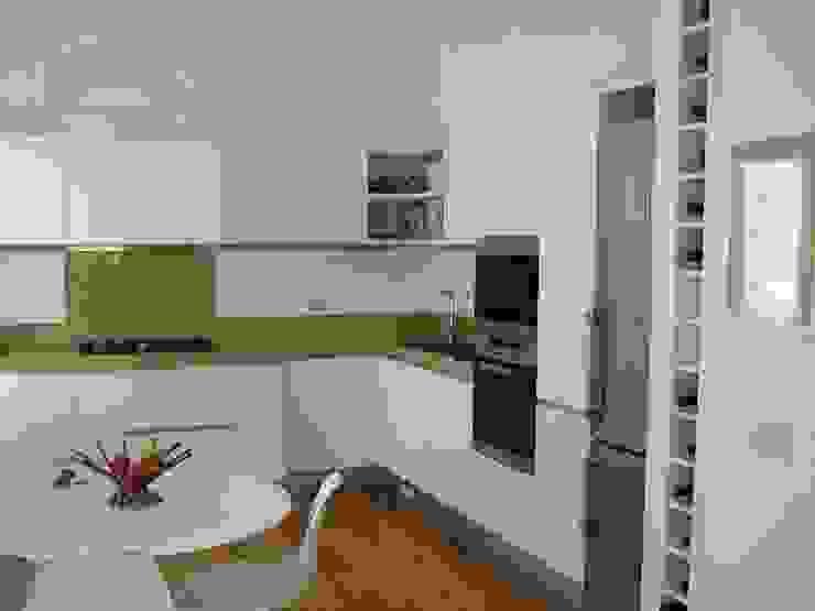 La cucina a giorno Cucina moderna di Arch. Silvana Citterio Moderno