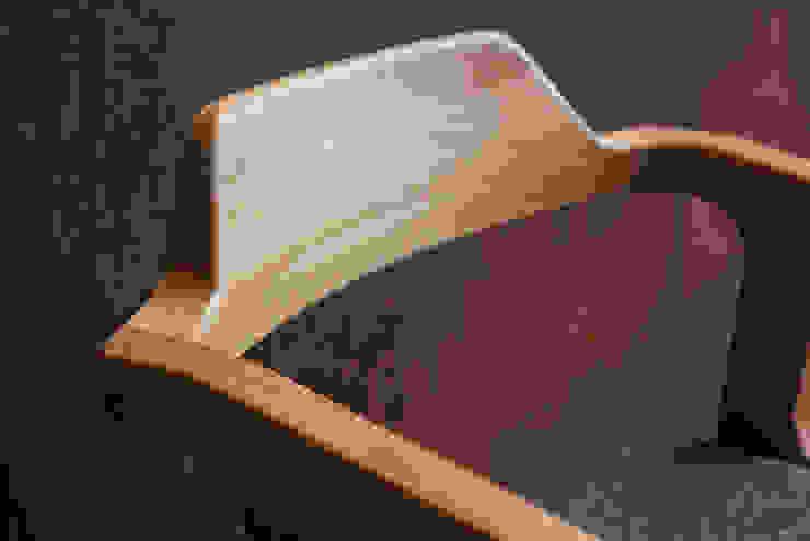R-Chair: modern  by AFID Design, Modern