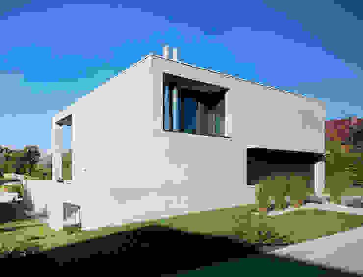 Südwestfassade Minimalistische Häuser von PaulBretz Architectes Minimalistisch