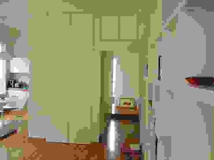 Ingresso Ingresso, Corridoio & Scale in stile moderno di Arch. Silvana Citterio Moderno