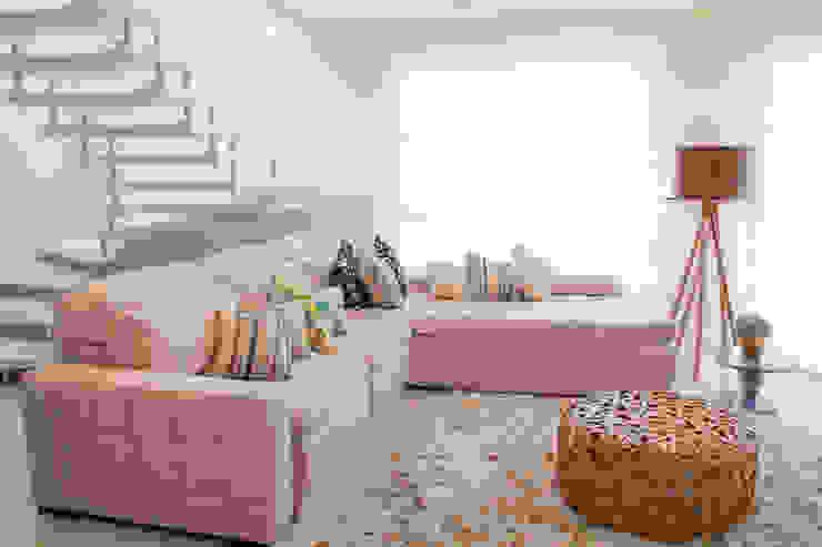 Projeto de Arquitetura de Interiores – Sala de Estar Salas de estar ecléticas por Sarah & Dalira Eclético