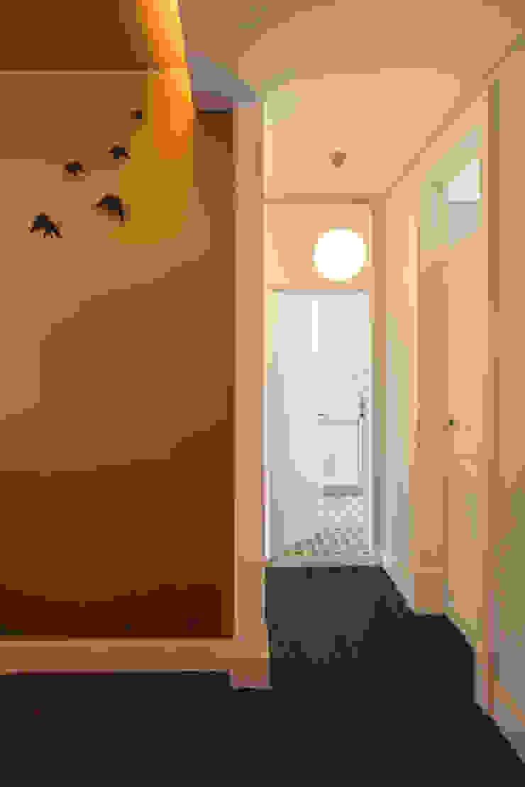 Tiago Patricio Rodrigues, Arquitectura e Interiores Eclectic style corridor, hallway & stairs