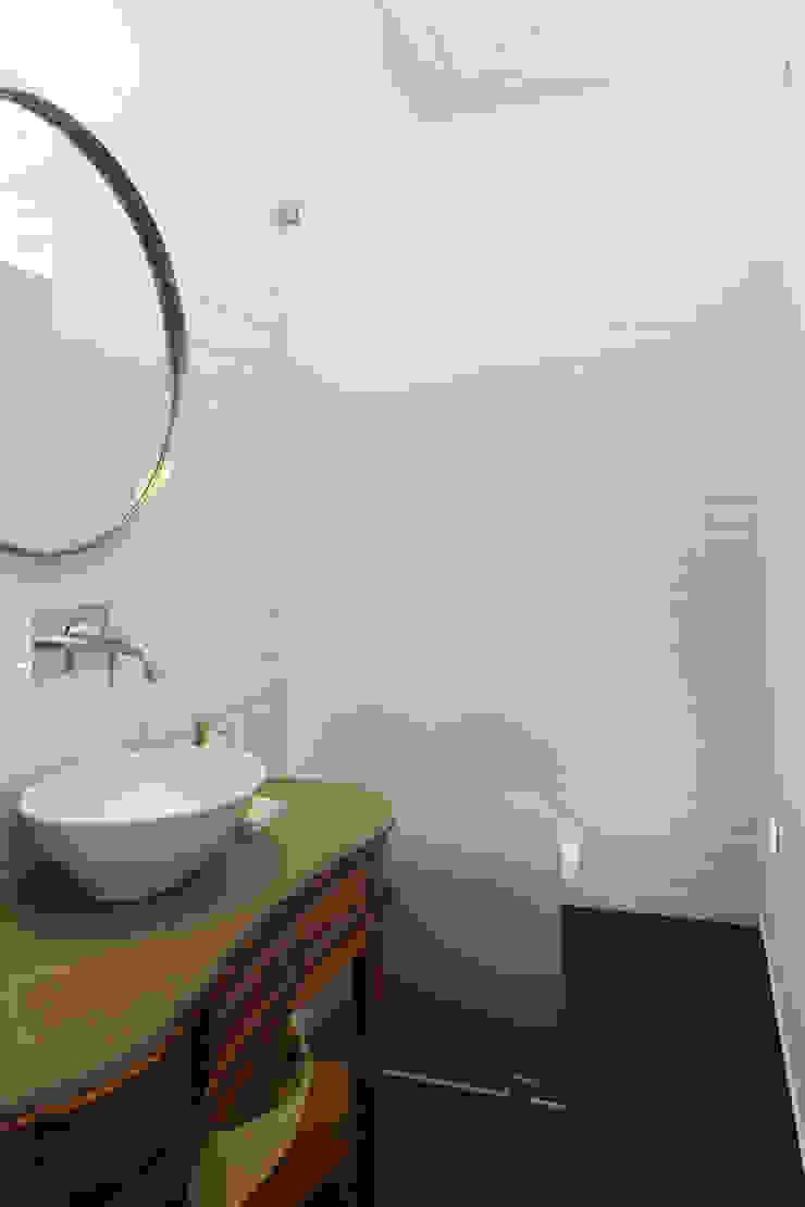 Tiago Patricio Rodrigues, Arquitectura e Interiores Modern bathroom