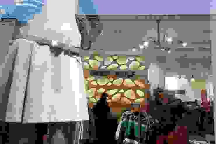 Chaos w sklepie WOLF GREY - Nowy Świat Warszawa od Profizorka Minimalistyczny