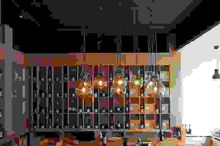 lampa gąsior - na zamówienie do sklepu z winami Praga Warszawa - Winoblisko od Profizorka Minimalistyczny