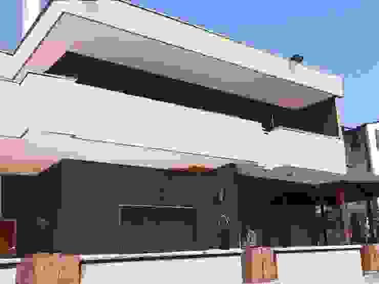 esterni Case moderne di antonio giordano architetto Moderno