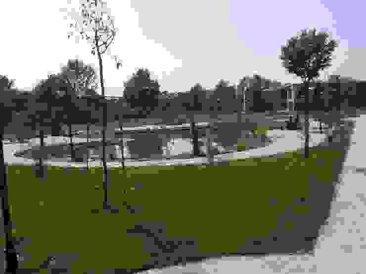 Peyzajda Sanayi ,Sakarya 1.Organize Sanayi Bölgesi Müdürlük Binası peyzaj alanı uygulama örneği. Çisem Peyzaj Tasarım Ofis Alanları