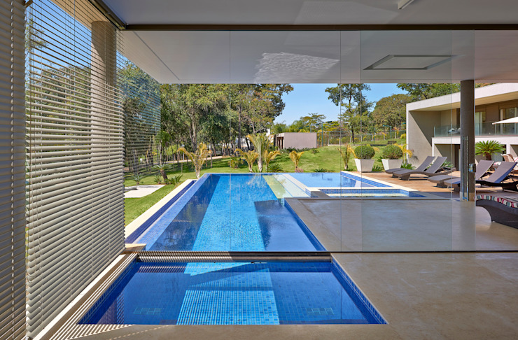 Pool by Beth Marquez Interiores, Modern