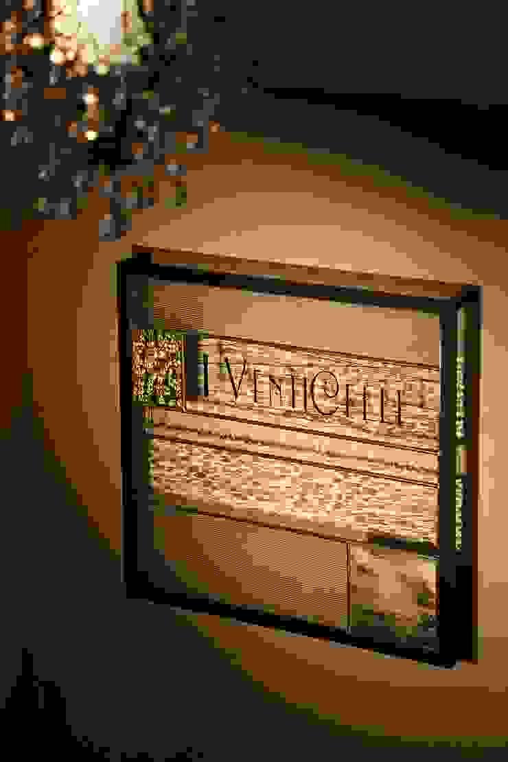 IVENTICELLI: 4建築設計事務所が手掛けた現代のです。,モダン
