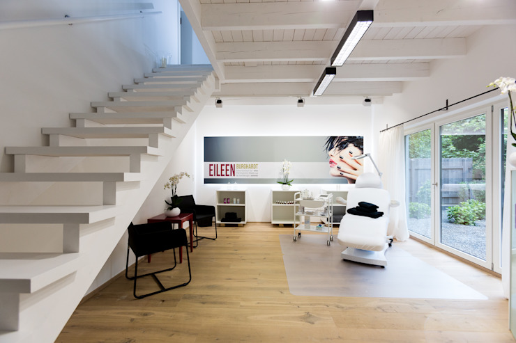 cordes architektur Modern Corridor, Hallway and Staircase
