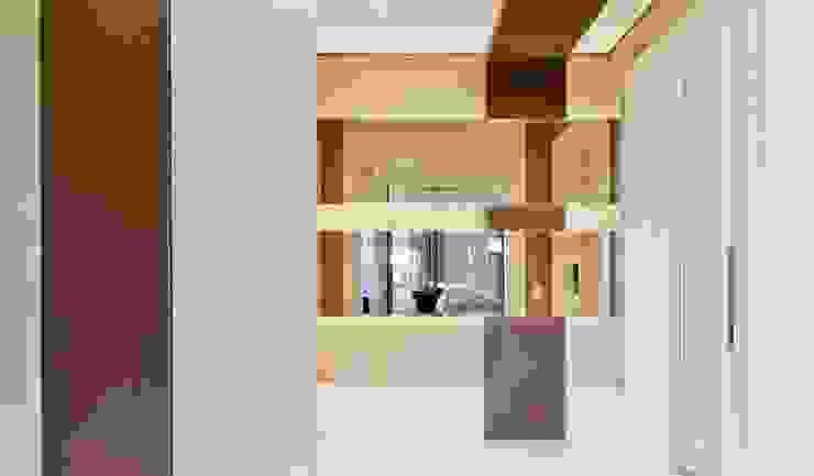 Lapa | Residenciais Corredores, halls e escadas modernos por SESSO & DALANEZI Moderno