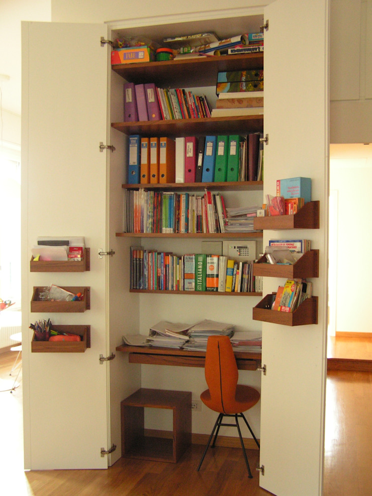 Arch. Silvana Citterio Modern Study Room and Home Office