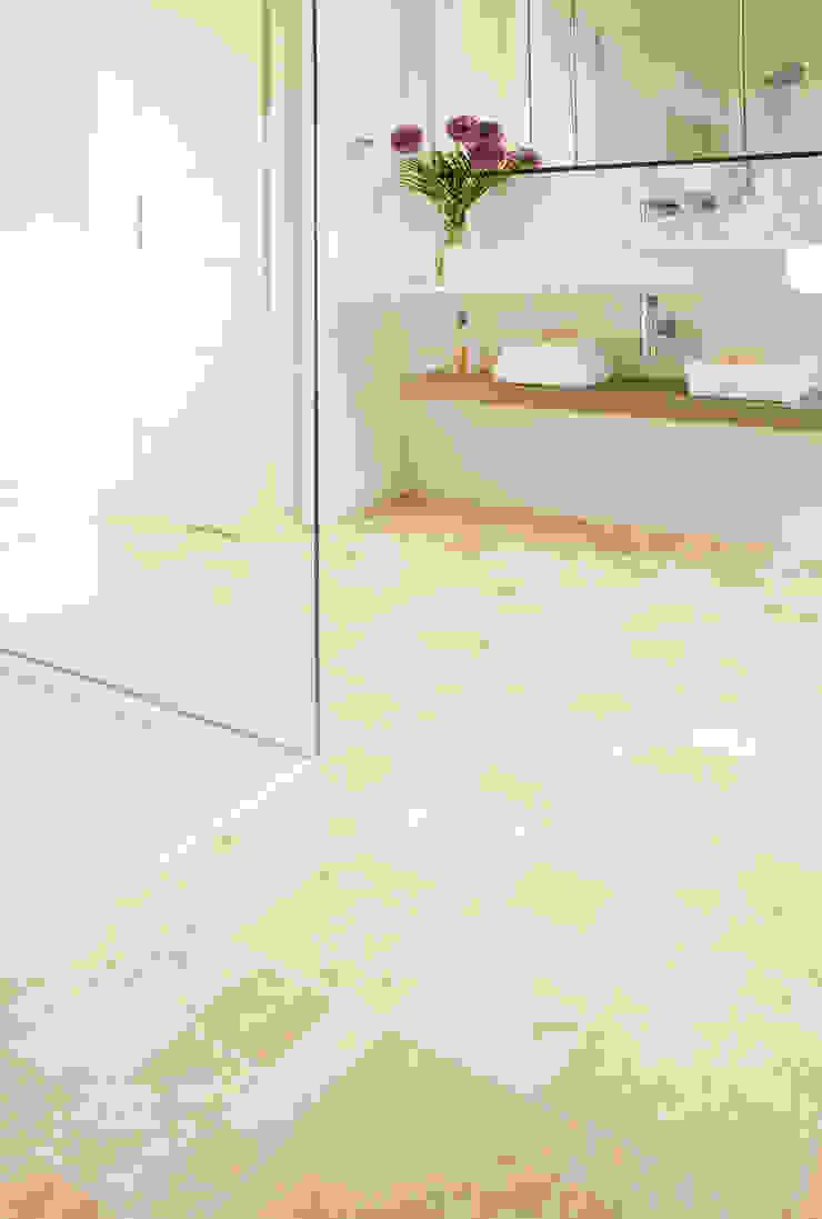 Toucan: modern  by Avenue Floors, Modern