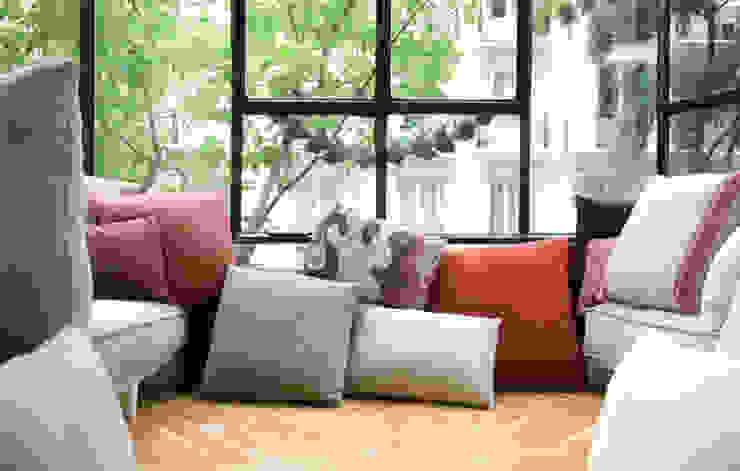 Balconada para Grupo Lamadrid Dormitorios de estilo ecléctico de DyD Interiorismo - Chelo Alcañíz Ecléctico