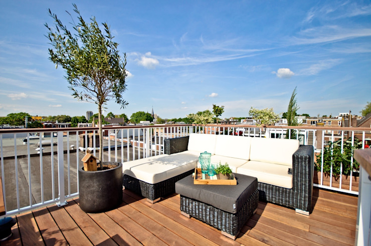 Giardino moderno di Renoparts Vianen B.V. | Uw Dakterras Specialist Moderno