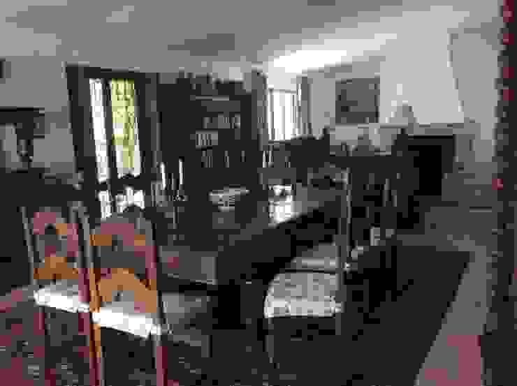 Rehabilitación de un cortijo: Antes y despues Salones de estilo clásico de Anticuable.com Clásico