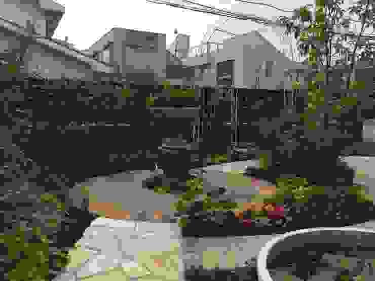 Vườn phong cách chiết trung bởi 有限会社ガオー Chiết trung