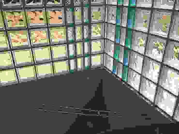 antonio giordano architetto Modern Corridor, Hallway and Staircase