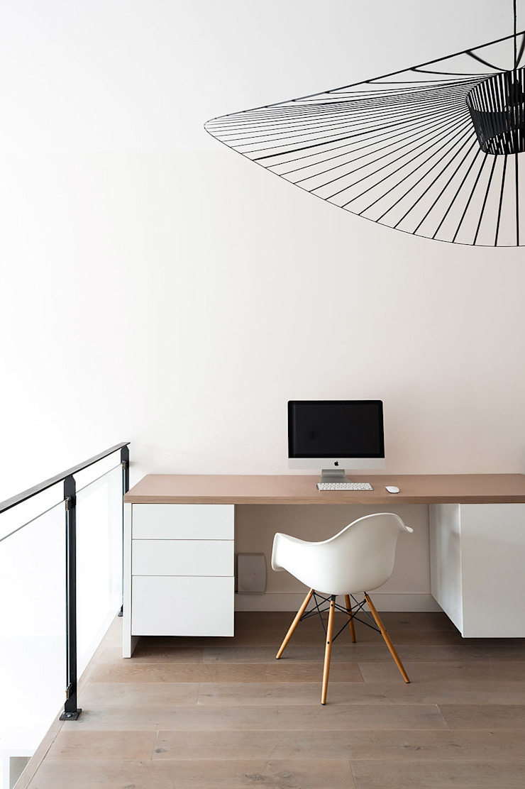 am alexandra magne Scandinavian style study/office