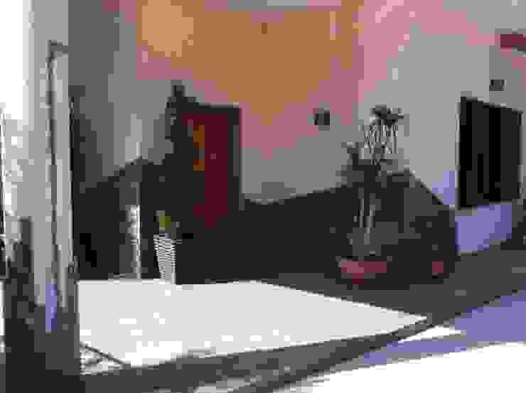 rivestimento scala esterna patio coperto Case moderne di antonio giordano architetto Moderno