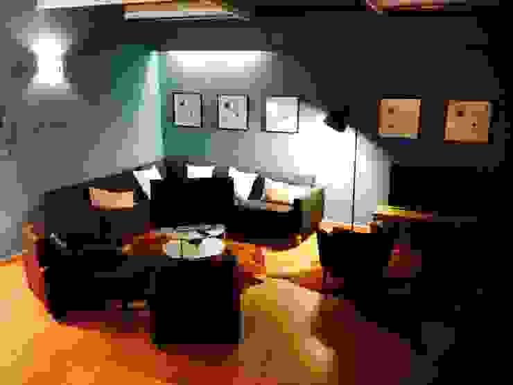 3ª Sala de Jogo Salas de estar modernas por Stoc Casa Interiores Moderno