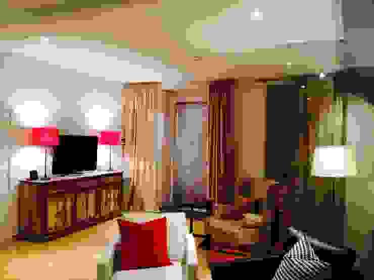 1ª Sala e Jogo Salas de estar modernas por Stoc Casa Interiores Moderno