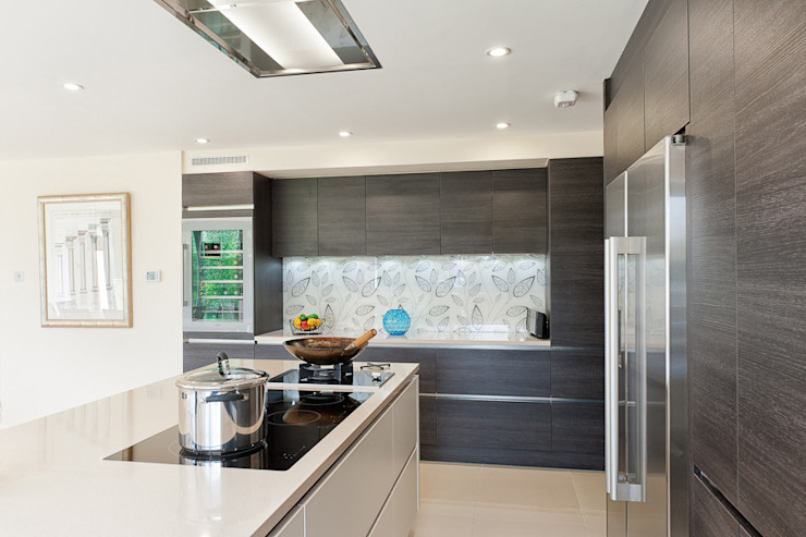Urban Style Magnolia satin & Terra oak kitchen Modern kitchen by Urban Myth Modern