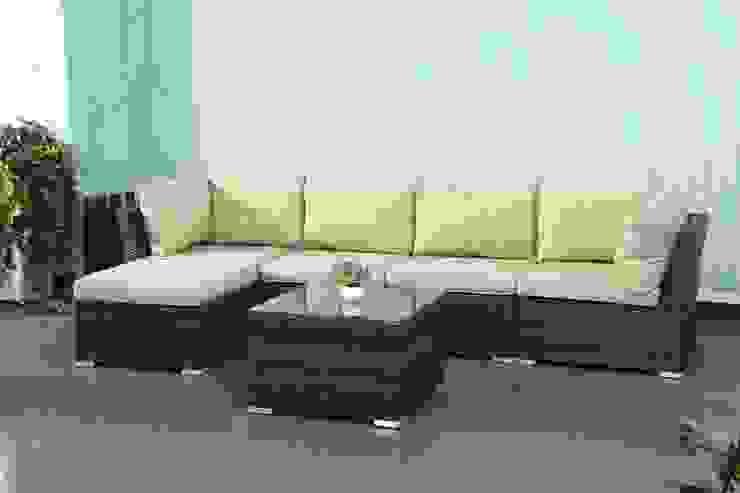 Rattan modular sofa: modern  by Wallace Sacks, Modern