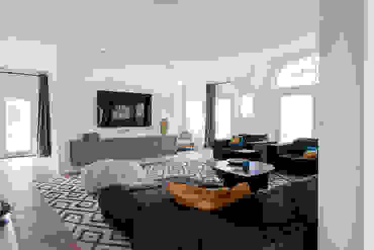 Woonkamers Almelo Moderne woonkamers van Baden Baden Interior Modern