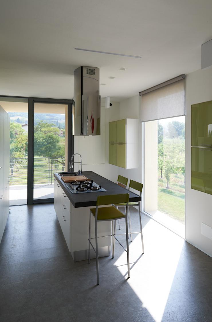 HDBV – housedouble quattro castella Cucina moderna di NAT OFFICE - christian gasparini architect Moderno