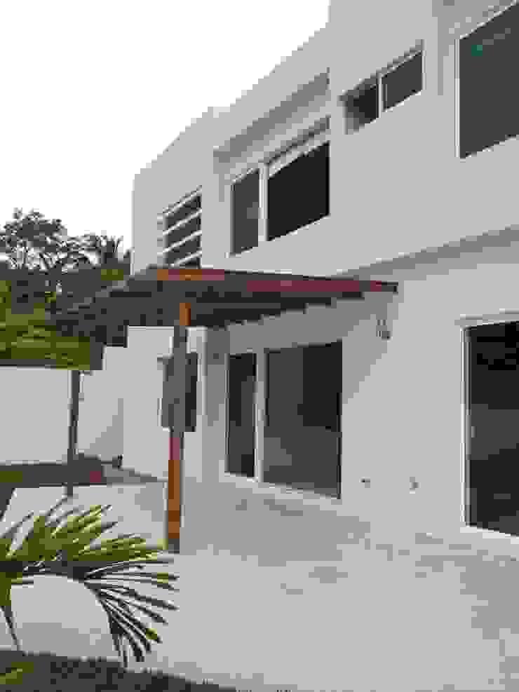Casa Bernabé Casas minimalistas de Constructora e Inmobiliaria Catarsis Minimalista