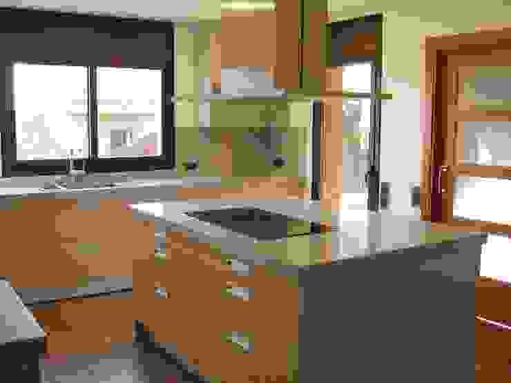 Isla Nivell Estudi de Cuines, S.L Cocinas modernas