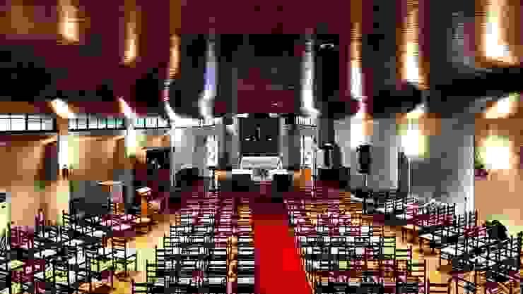 教会 クラシカルなイベント会場 の 建築写真家 田岡信樹 クラシック