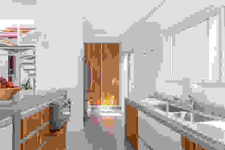 Residência Parque dos Príncipes Cozinhas modernas por Nautilo Arquitetura & Gerenciamento Moderno