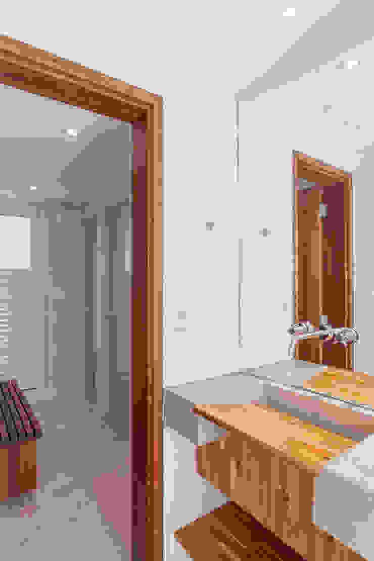 Residência Parque dos Príncipes Banheiros modernos por Nautilo Arquitetura & Gerenciamento Moderno