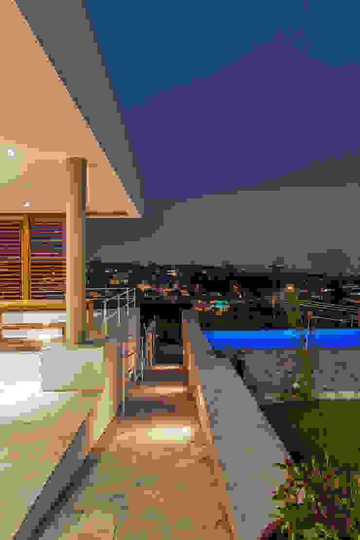 Residência Parque dos Príncipes Piscinas modernas por Nautilo Arquitetura & Gerenciamento Moderno