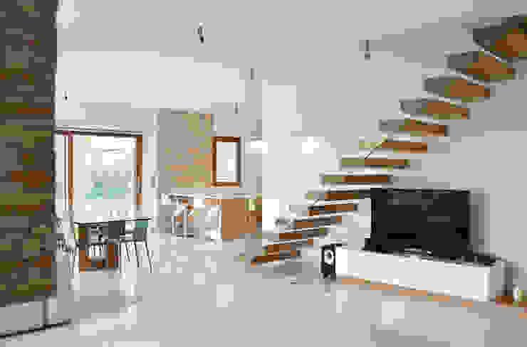 Salas / recibidores de estilo  por Lucia D'Amato Architect