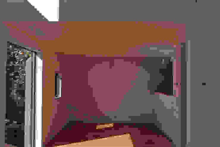 借景を取り込んだ家 モダンデザインの ダイニング の 三浦尚人建築設計工房 モダン